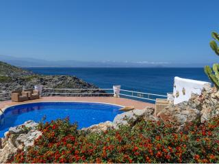 Luxurious Villa Faidra with amazing view, Chorafakia