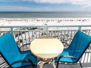 """Pelican Isle Unit 403"" Gorgeous Direct Front Views!, Fort Walton Beach"