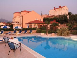 one bedroom apartment with balcony and pool, Cavtat