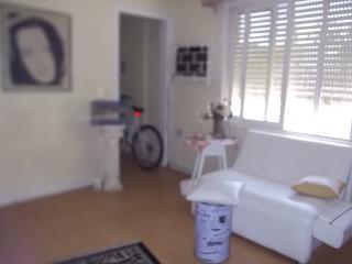 Aluga-se temporario apt com garagem mobiliado