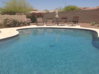 Spa like retreat with private heated pool!, Glendale
