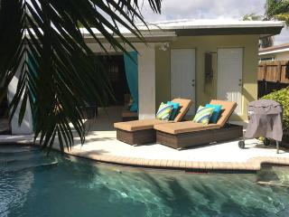 Private and Cozy Quiet Pool Home 2 Bed 1 Bath, Oakland Park