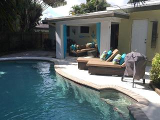 Private and Cozy Quiet Pool Home 2 Bed 1 Bath