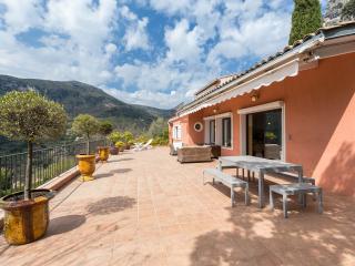 Vue mer et montagne panoramique a la Villa Zen