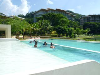 Jenny's Place at Pico de loro-1BR condo, Batangas City
