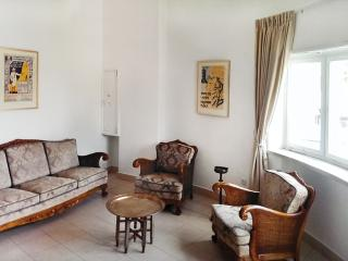 Bright 3-room Vacation Apartment in the center, Jeruzalem