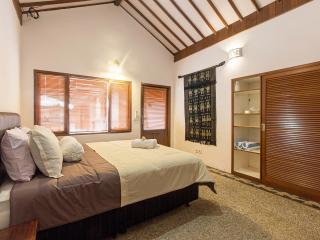 Lombok Room @ Seminyak Oasis