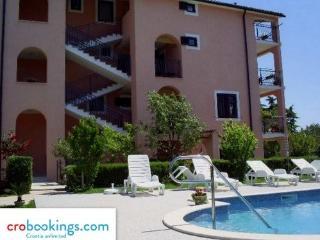 Apartments Tina 3 Novigrad for 4 persons