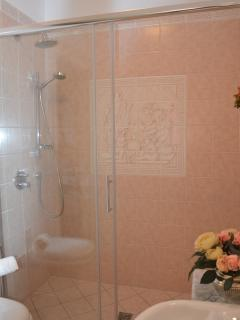 big shower in bathroom nr.1
