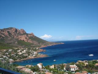 Charmante Villa Vue Mer Panoramique Clim et Wi-Fi, Agay