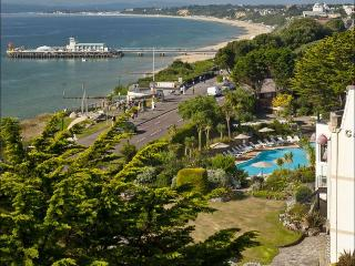 Bournemouth Beach, Apartment heated Pools Gardens