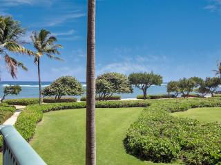 September 15% OFF; Luxury Oceanview Condo with Art, Kapaa