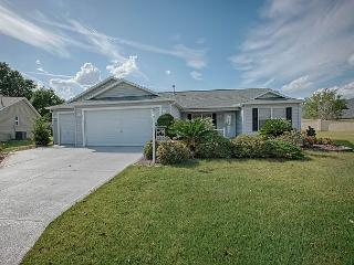 Beautiful home with private putting green. complimentary golf cart, The Villages