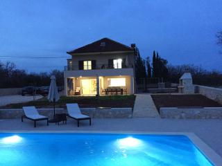 Villa Nar - Holiday Home near Zadar