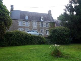 Beautifully situated, historic Maison de Maitre, Pont Farcy