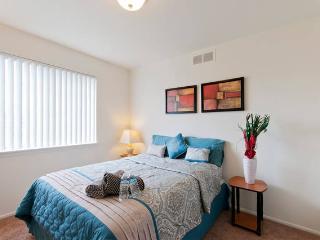 2 Bed 2 Bath Vacation Rental, Royal Oak