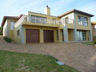 Luxurious Holiday Home on the Golf Estate to rent, Mossel Bay