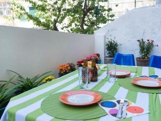 Dear Angeline with terrace, Lisboa