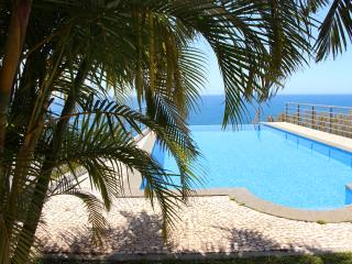 Villa Camacho XI - Sea Haven, Arco da Calheta