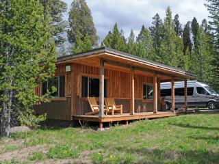 Mini-Moose Cabin - Best Value in West Yellowstone