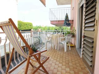 Seaside Apartment under Mount Etna - 4 people, Acireale