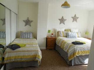 4 Bedroomed & 2 Bathroom Holiday House BH12 1LZ