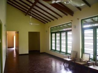 Holiday house in Hikkaduwa for rent