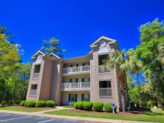 Relaxing 2BR Pawleys Island Condo w/Wifi, Patio & Beautiful Living Space