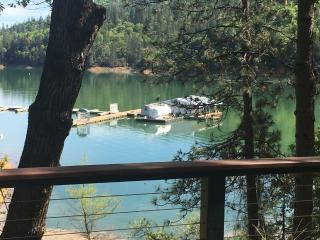 "LAKEFRONT...""Best house on Shasta"", Lakehead"