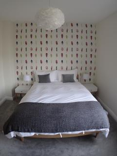 Main bedroom with King sized bed & ensuite.