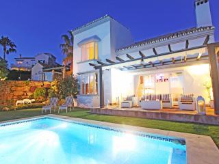 Modern Panorama Villa, Pool, Sea, Lake view