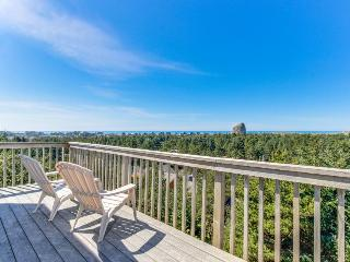 Spacious home with spectacular views of ocean & Cape Kiwanda!