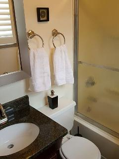 Convince of 2 bathrooms