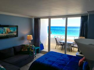 DIRECT OCEAN FRONT STUDIO CONDO, Fort Lauderdale
