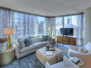 Luxurious 2 Bedroom 2 Bathroom Apartment in Chicago - 24 Hour Door Staff