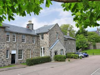 magellan apartments sleeps 5, Aberdeen