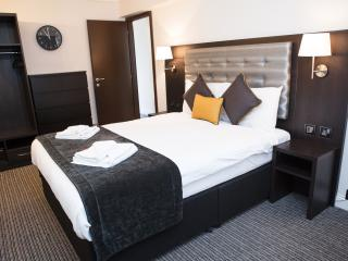 SUPER Comfy 2 bed 4px. apt. in Pimlico by  river