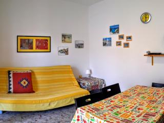 Villa Arancio YELLOW 2-rooms apart. AIR CONDIT., Cala Liberotto
