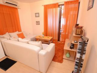 2-bedroom apartment for 8 persons, Budva