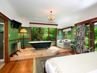 The Laurels B&B; - The Fitzroy Room, Kangaroo Valley