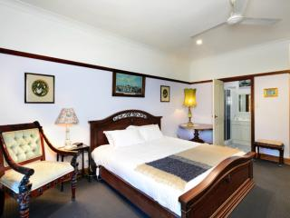 The Laurels B&B; - The Belmore Room, Kangaroo Valley