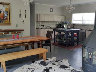 Golden View Luxury Self Catering: Willow house, Clarens