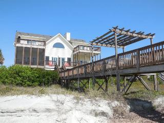 Locura - Folly Beach, SC - 3 Beds BATHS: 3 Full 1 Half