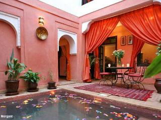 SUPER RIAD 6 CHAMBRES AU COEUR DE MARRAKECH, Marrakech
