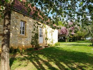 Superb renovated cottage in rural location, Anglars-Nozac
