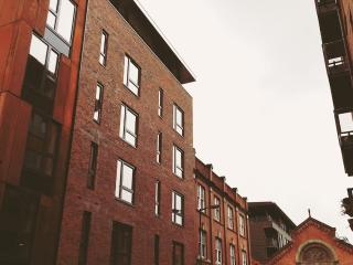 'Love where you live'. 2 bed Northern Quarter (1E), Manchester