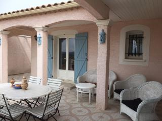 Luxury Family Villa with large private pool., Carcassonne