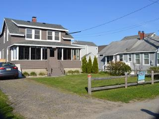 Nice updated 4 bedroom house w/Spirwink River view, Scarborough