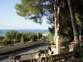 Villa Elettra a pochi passi dal mare