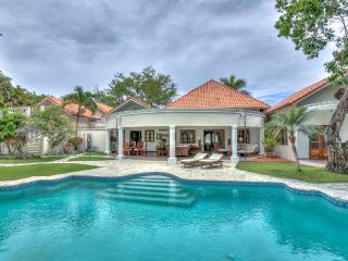 Villa Flora - Superior Tropical Garden villa